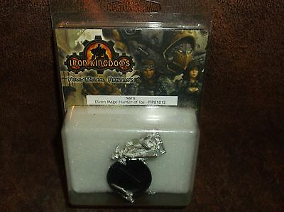 Iron Kingdoms Miniatures: Narn Elven Mage Hunter Of Los PIP81012!!! New!!!