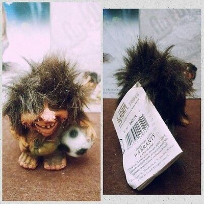 Troll Norvegese Ny Form Nyform 840-014 Boy With Ball Calcetto Norwegian