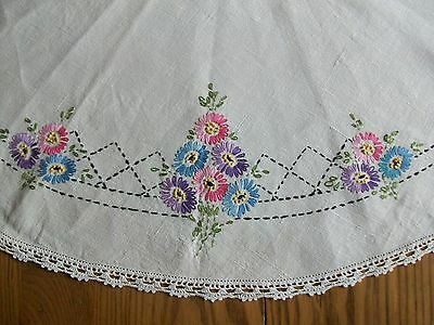 """Lovely Vintage 32"""" Linen Tablecloth ~ Hand Embroidered Floral & Crochet Border"""