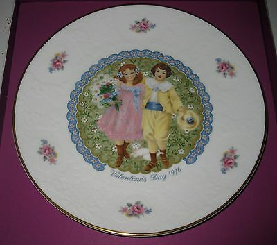 """Royal Doulton Valentine's Day Plate 1975 """"tribute To St.valentine"""" 1St Edition"""