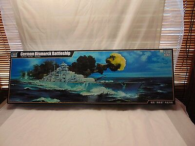 German Bismarck Battleship 1/200 model kit Trumpeter 03702 Military ship boat