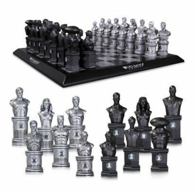 DC COMICS Justice League Chess Set - Super Heroes vs Super Villains