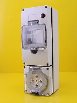 Clipsal 56C532RC RCD Protected Socket Outlet 32A 500V 3P 5 Pin 30mA
