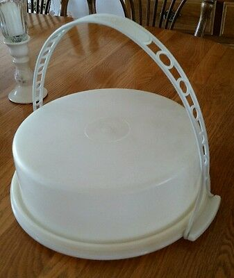 Vintage 1970's Tupperware Pie/Cake Taker w/Carry Handle - Sheer/White