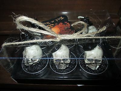 NWT Skull with Top Hat Tealight Candle Set - Cool & Creepy-Halloween!!