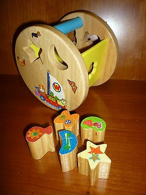 GUC Wonder Pets Wooden Fun Time Shape Sorter with 5 Colorful Picture Blocks HTF