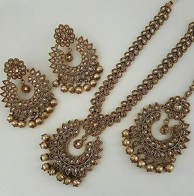 Indian vintage necklace, earrings and tikka set with pearl trim
