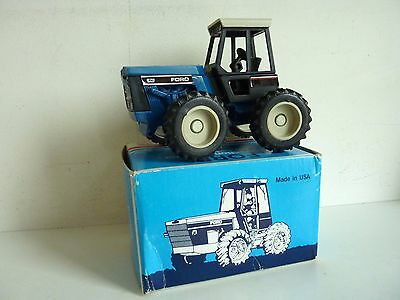 Scale Models Ertl Tracteur Ford Bi Directional Tractor Versatile 276 1/32 +  Box