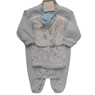 5 Piece Baby Boy Gift Bag Set Bodysuit, Sleepsuit, Hat, Bib & Socks 0/3 Months