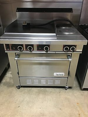 GARLAND ELECTRIC RANGE 2 PLATES w/ GRIDDLE w/ CONVECTION OVEN
