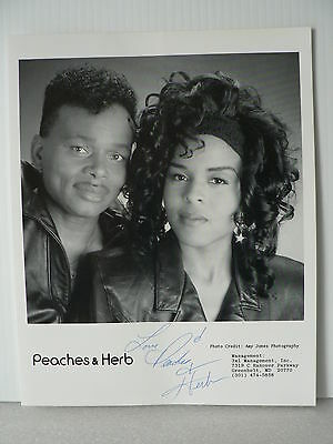 PEACHES & HERB Duo Soul Music Original Hand Signed Autograph 8 x 10 Photo