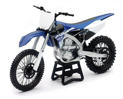 1:6 Yamaha YZ450F - Diecast model Licensed Die Cast Dirt Bike From NewRay