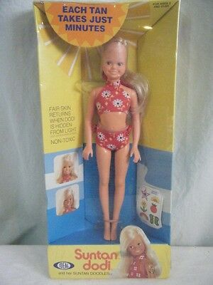 Ideal Suntan Dodi Doll & Her Suntan Doodles NRFB Tuesday Taylor Family