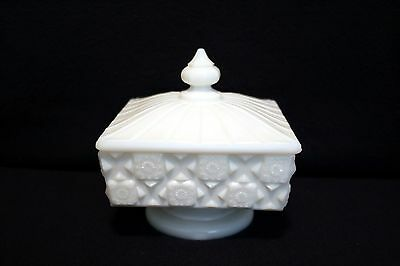 Westmoreland White Milk Glass Old Quilt Covered Footed Square Candy Dish w Lid