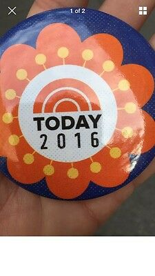 NEW 2016 TODAY SHOW NBC TV PIN BUTTON Collectable Rockefeller Plaza In New York