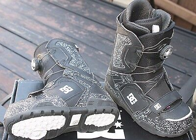 new $235 Men's DC Super Park Snowboard Boots, Black. Size 5   WHY RENT?