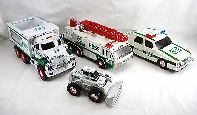 HESS TRUCK LOT OF 3 * 2008 1996 1993 NEW CONDITION NIB Truck & Loader & Bags