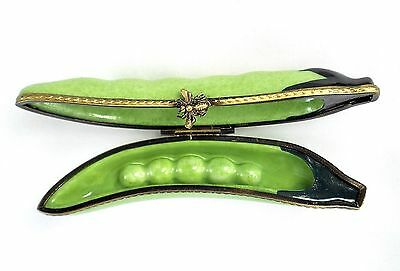 Limoges Box - Peapod & Peas - Vegetable - Pea Pod - Insect - Bee - Peint Main
