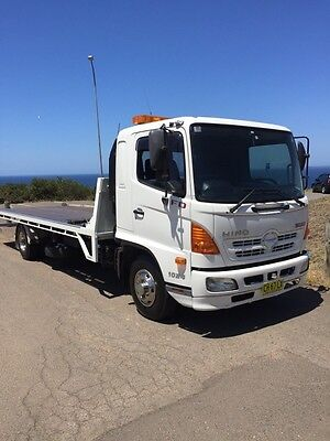 Hino Fd500 2008 Model Tilt Tray Tow Truck With Cradle  6 Speed Manual