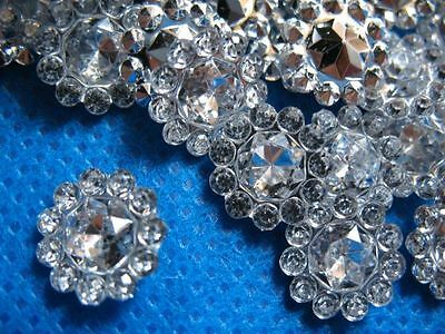 100 x SILVER 11mm FLOWER SHAPED GEMS PERFECT FOR BOW CENTRE HEADBAND CARD MAKING