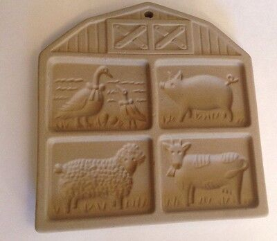1994 Pampered Chef Stoneware Barnyard Friends Cookie Mold Hangable