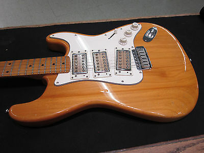 Univox Ripper Vintage Stratocaster Electric Guitar Matsumoku  Made In Japan