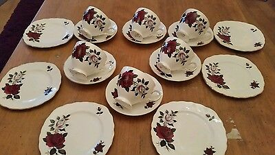 Gorgeous Vintage COLCLOUGH Bone China RED WHITE AMORETTA ROSE Teacups trios SET