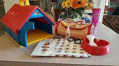 Vintage 1980's Tokna Pug's Play House and newborn case with Dr accessories