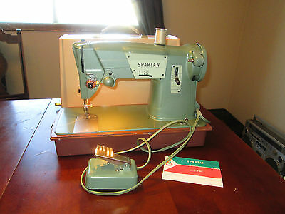 Singer Sewing Machine Spartan 327K Made in Great Britain Tested Foot Pedal Case