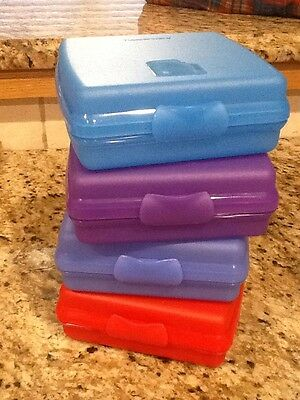 Tupperware Sandwich Keepers Set of 4 Plastic Hinged Containers