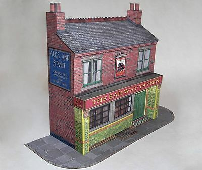 7mm Scale Card Model Kit Terraced Public House  Ideal For O Gauge Or 1/43 Cars