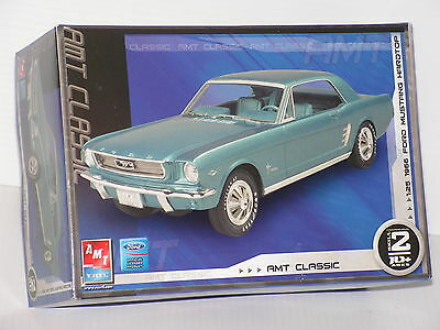 Amt #31542 1/25 1966 Ford Mustang Hardtop Open/f/si