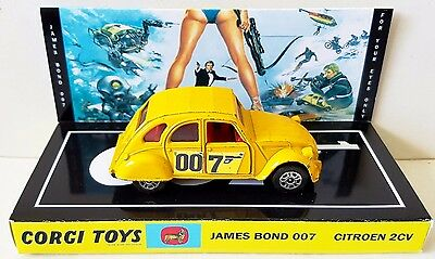 Corgi Juniors 115 James Bond 007 CITROEN 2CV Diecast Model & Custom Display [a]