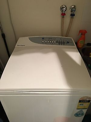 Fisher and Paykel washing machine 7.5 Kg