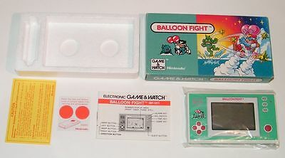 NINTENDO GAME & WATCH - BALLOON FIGHT - New Wide Screen 1988 - BOXED -