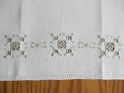 "Lovely Vintage 21"" Natural Linen Tea Towel ~ Italian Embroidery"