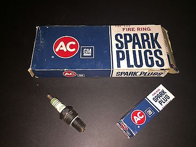 AC 43N Fire Ring Spark Plugs 5612241 4 Green Rings NOS