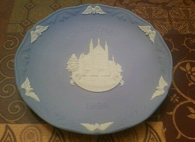 Wedgewood 1989 Christmas Blue Winchester Cathedral Plate