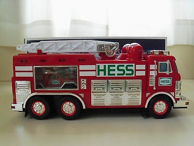 2005 Hess - Hess Emergency Truck With Rescue Vehicle - New In Box