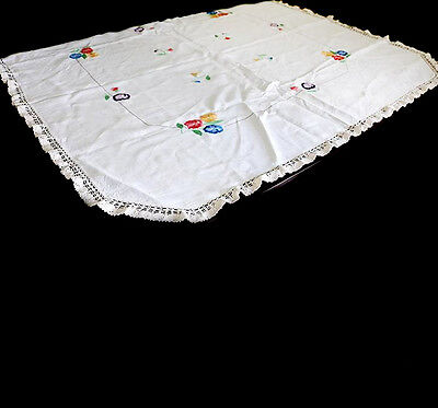 Vintage cream linen lace trim embroidered floral stunning table cloth 136cm