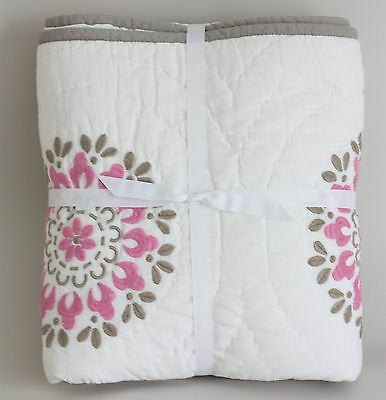 Pottery Barn PB Kids DAHLIA Medallions Pink Nursery Toddler Crib Quilt WASHED