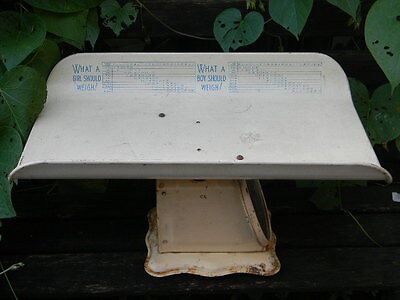 Vintage Baby scale complete original working .