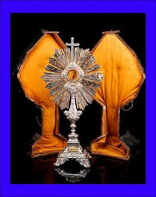 Antique Solid-Silver Monstrance in its Original Case. France, 19th Century
