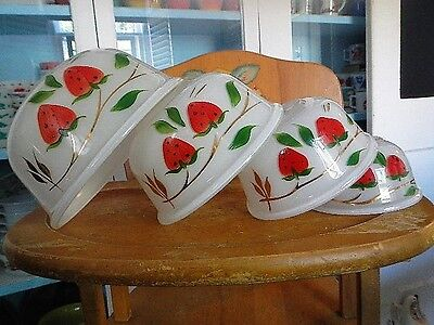 Bartlett Collins Strawberries & Gold Gay Fad Glass Mixing Nesting Bowls Complete