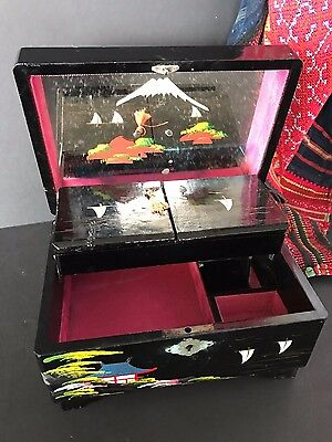 Old Japanese Lacquered Windup Music Jewelry Box …beautifully hand painted