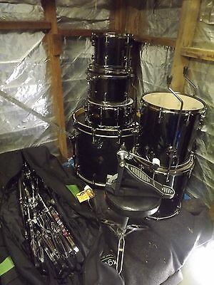 Ludwig Epic Series Drum Kit Excellent Condition