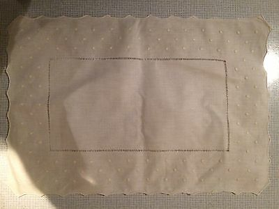 Ivory Linen Embroidered Place Mat Modern (not Antique)