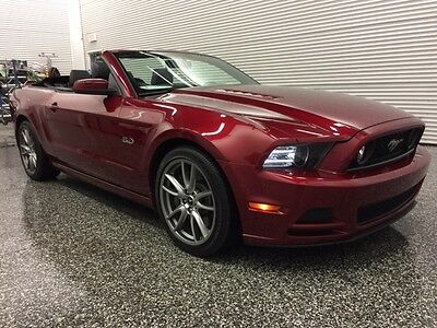 2014 Ford Mustang GT Convertible, Couleur Candy