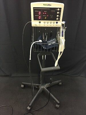 WELCH ALLYN 52000 Vital Signs Patient Monitor SPO2 Temp Blood Pressure w/Stand