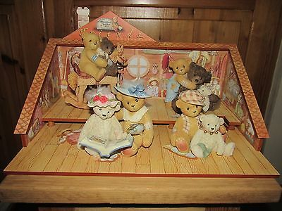 CHERISHED TEDDIES Rare IPR Friends Collection with displayer